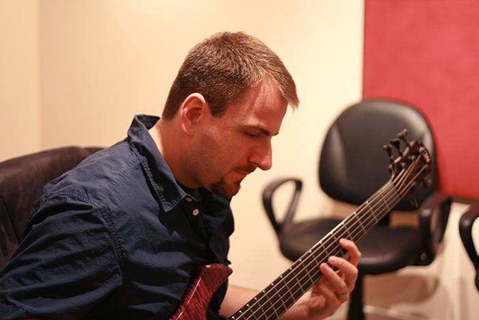 Scott Harlan bass music bassist solo fusion kleztet zon dr strings
